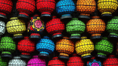 Lanterns on sale at Beijing's Panjiayuan market, China © Adrienne Bresnahan/Getty Images