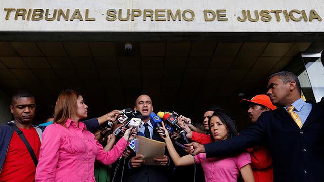 """Chavismo denuncia """"golpe de Estado"""" de la derecha en contra del presidente Maduro"""