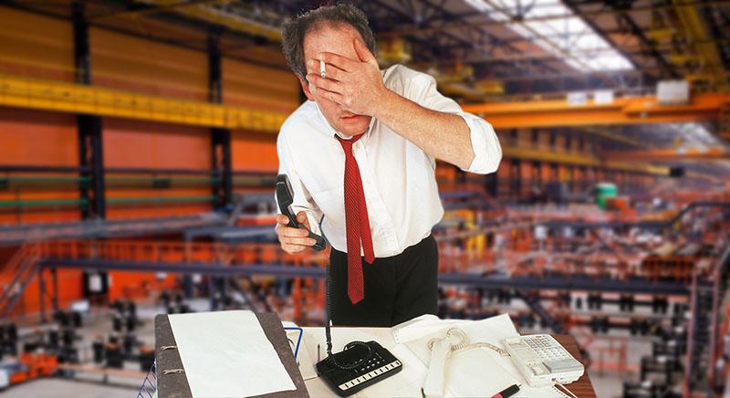 Менеджер нервничает на работе