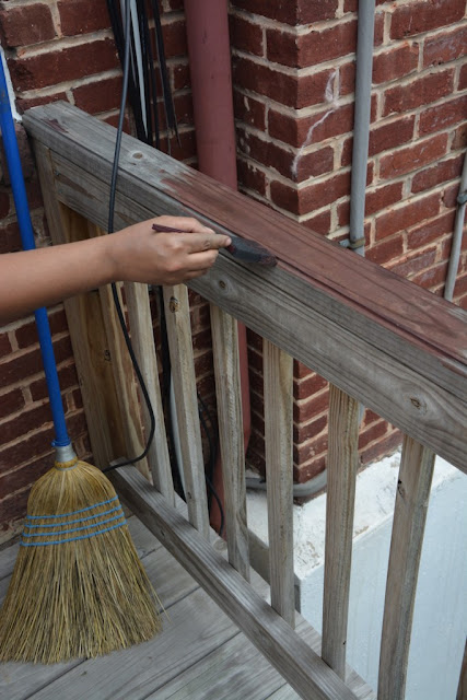 How to update your deck with stain