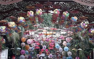 payung-festival-taman-balekambang