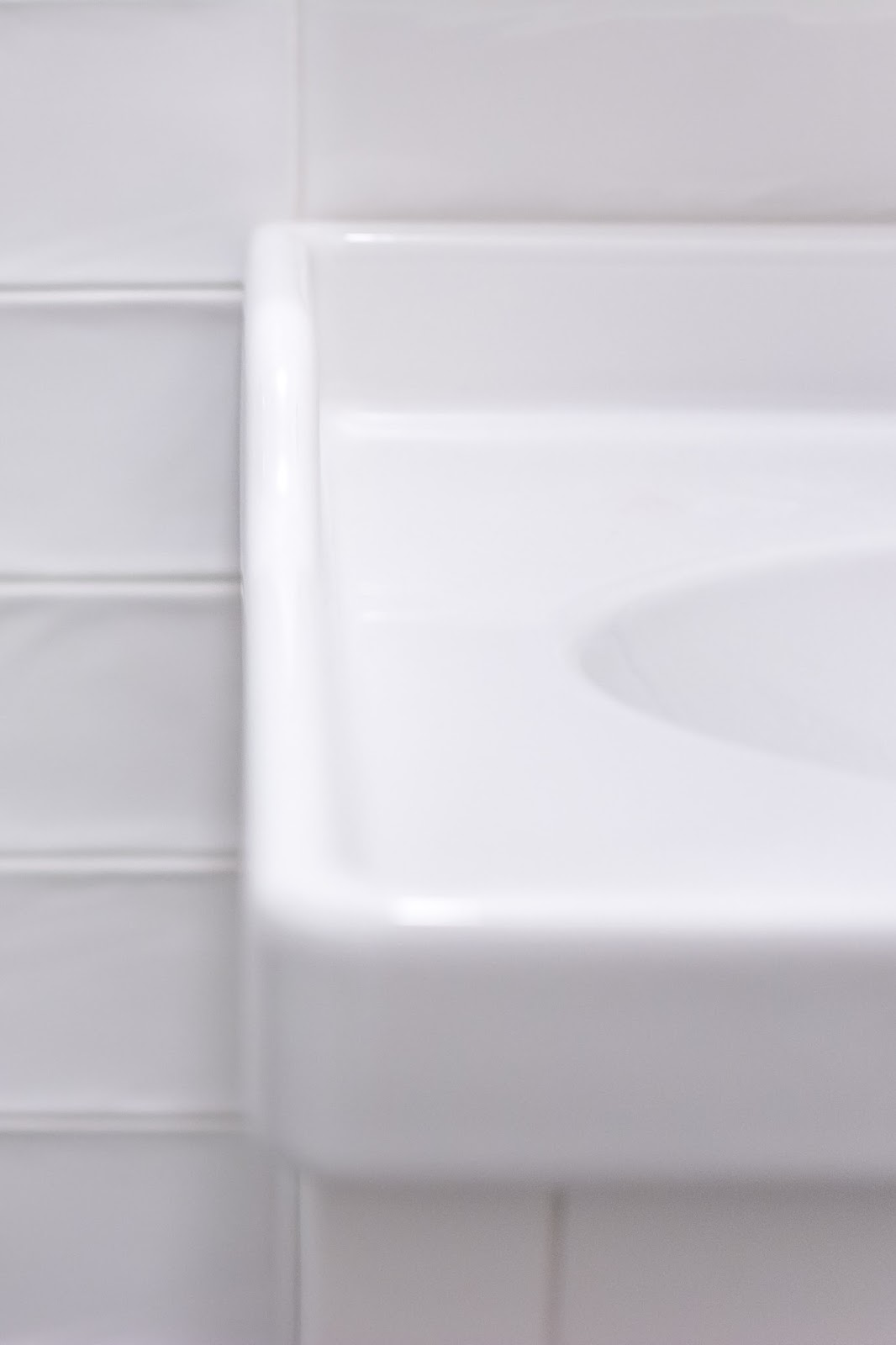 umywalka z fartuszkiem