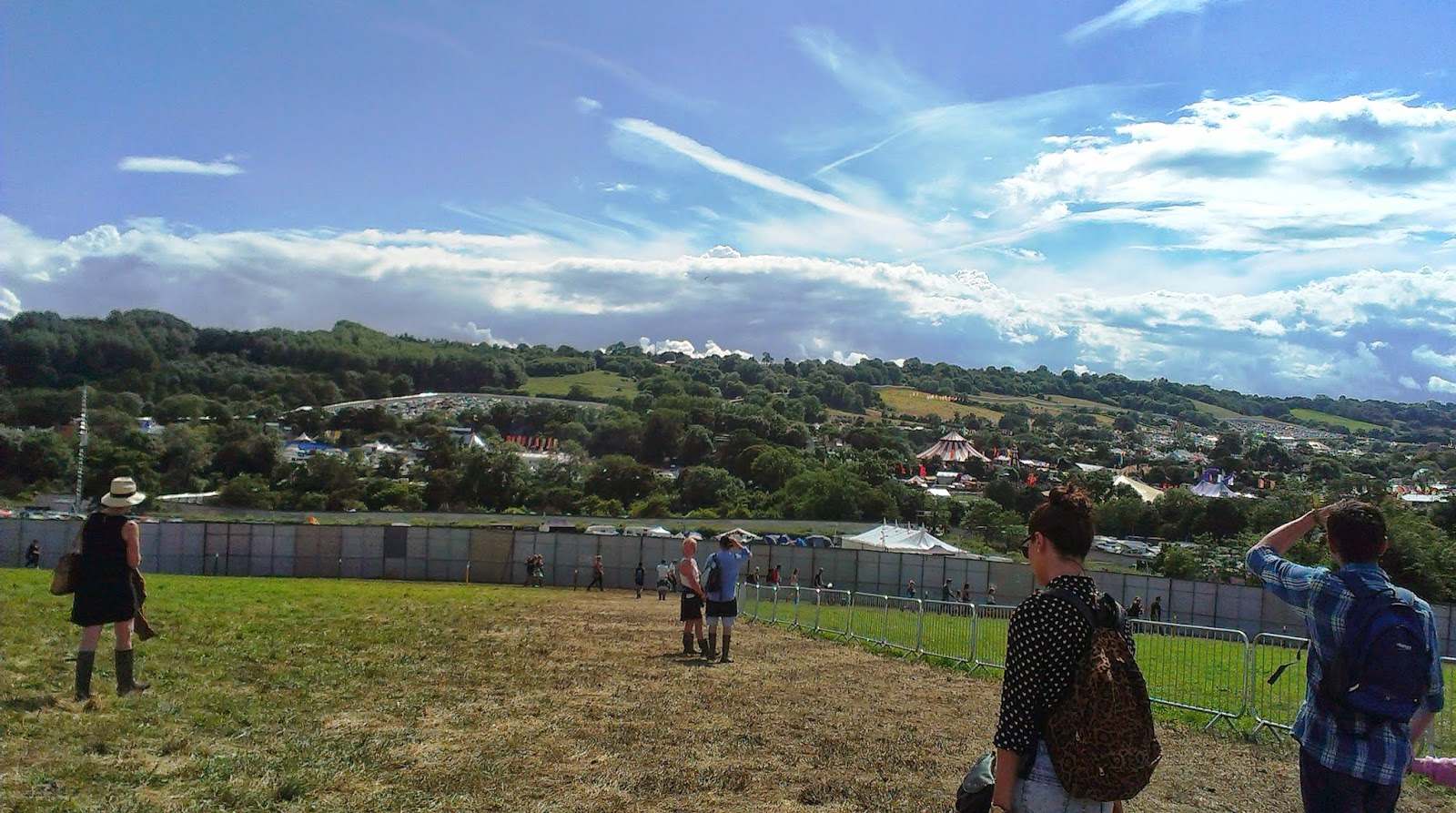 4pm - Walking into the festival site