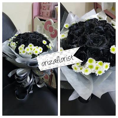 harga bunga hand bouquet surabaya, penjual mawar hitam di surabaya, toko bunga mawar hitam surabaya,