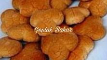 http://berjutaresep.blogspot.com/2017/06/resep-membuat-geplak-bakar.html