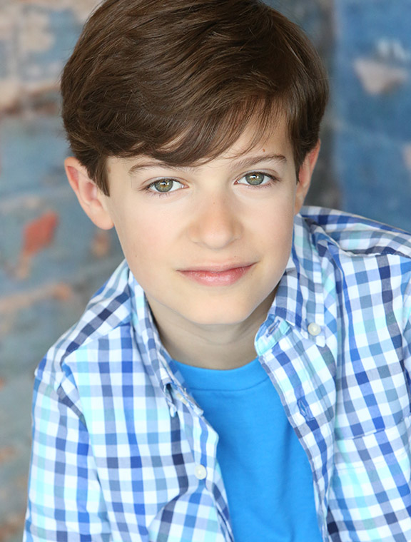 Young Jewish actor makes national Broadway tour debut in