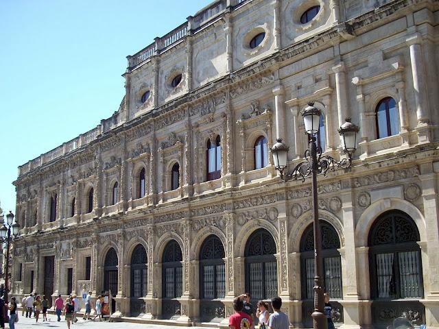 Resultado de imagen de fachada del ayuntamiento de sevilla