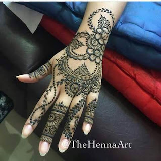 Eveey girls without mehandi specially in marriage and function feels something missing if i am not wrong.