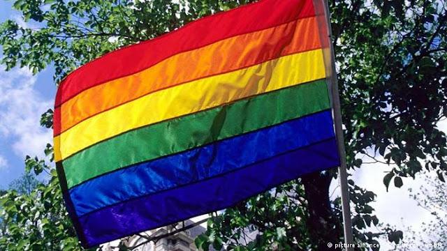 Entrar em um grupo gay para WhatsApp