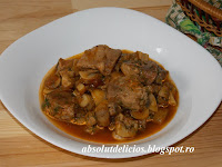 http://absolutdelicios.blogspot.ro/2015/06/tocanita-de-ciuperci-cu-carne-de-porc.html