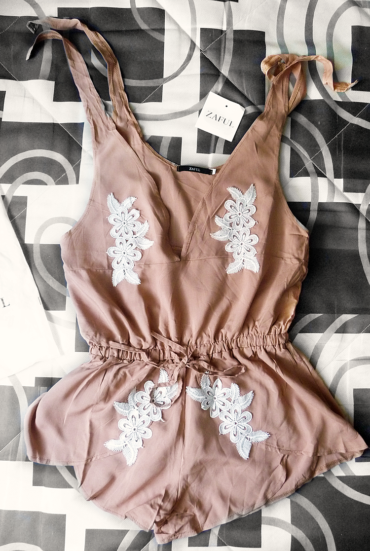 Floral Applique Drawstring Cover Up Romper - Apricot zaful.com