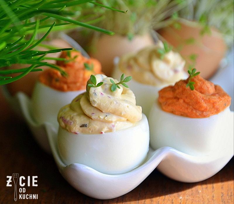 jajka faszerowane wiosenne, jajka faszerowane, wielkanoc, przepisy na wielkanoc, zycie od kuchni