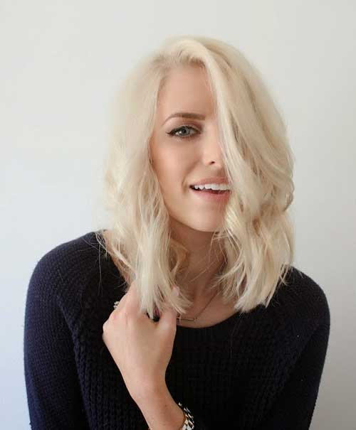 Latest Wavy Hairstyle For Short Light Blonde Hair