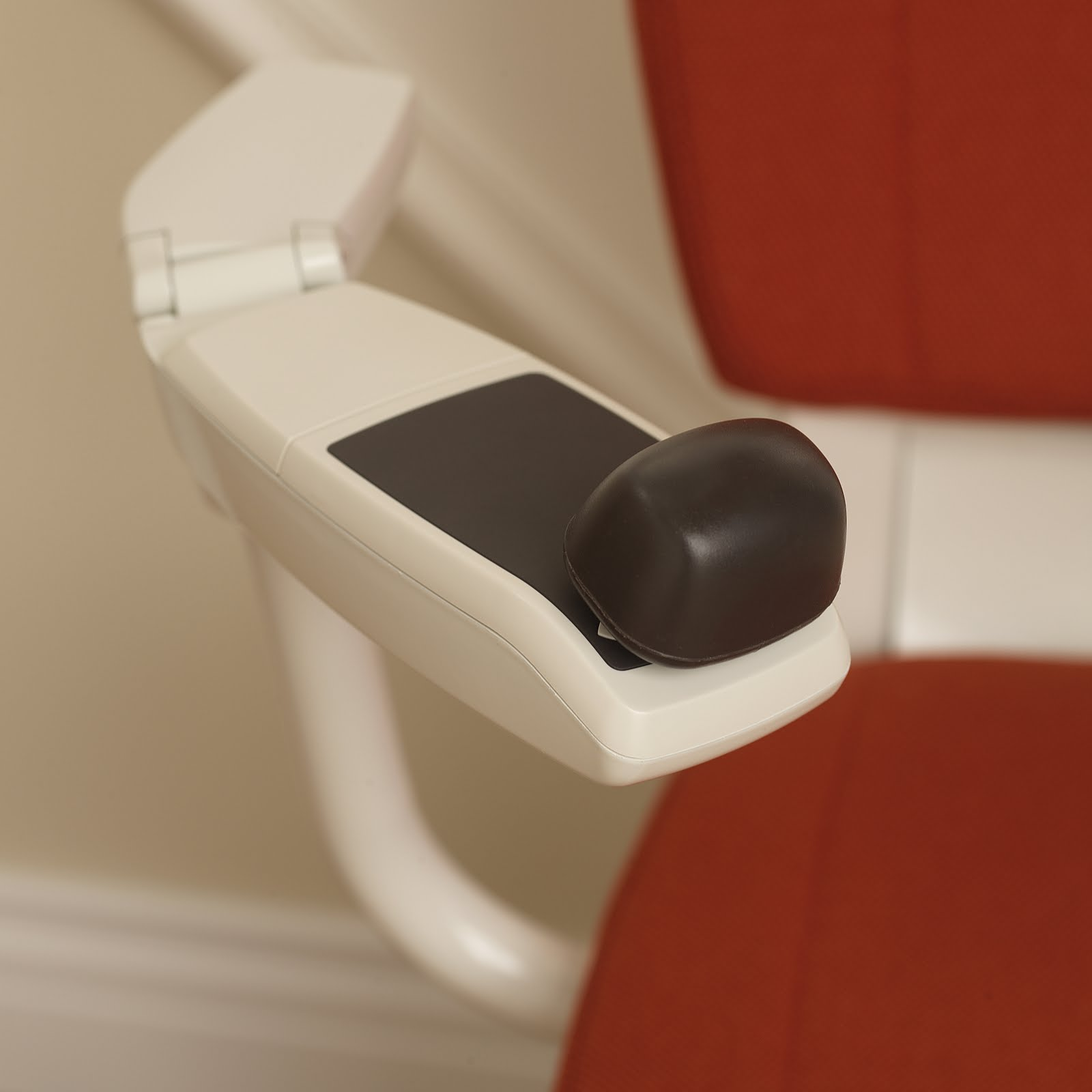 stair lifts flow 2 stairlifts for curved stairs. Black Bedroom Furniture Sets. Home Design Ideas