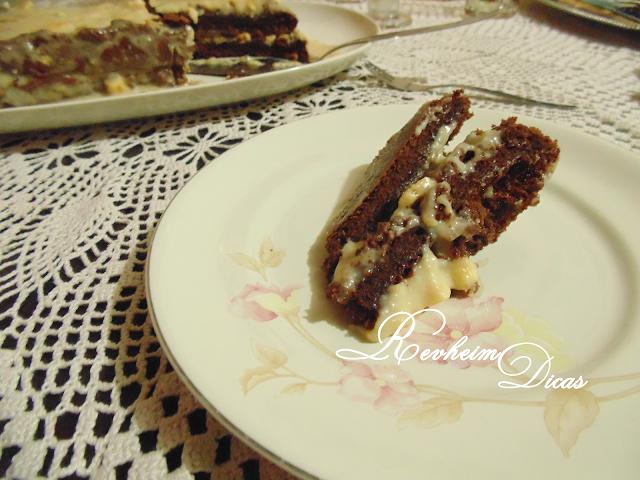 bolo de leite condensado e chocolate, bolo de leite condensado e chocolate M de Mulher, aniversário, 22 anos, decoração de aniversário