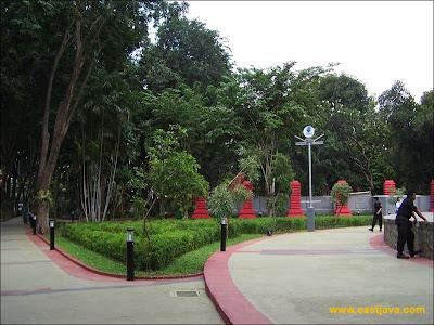 Path Taman Bungkul Surabaya