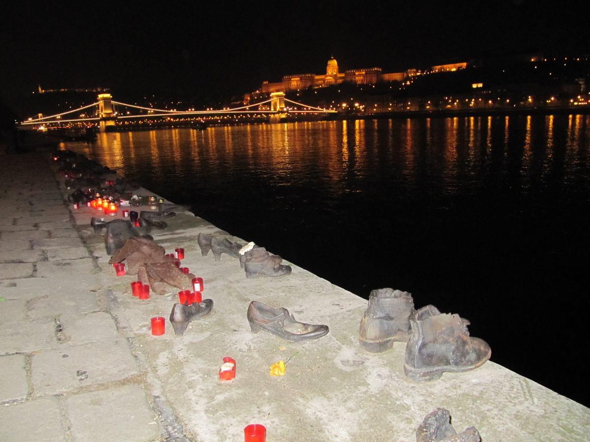 monumento a los zapatos de Budapest