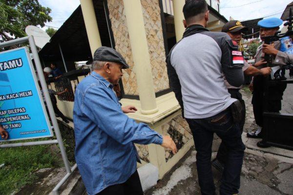 Ketum PA 212 Diperiksa Polisi Solo, Amien Rais: Pak Jokowi Maunya Apa Sih?