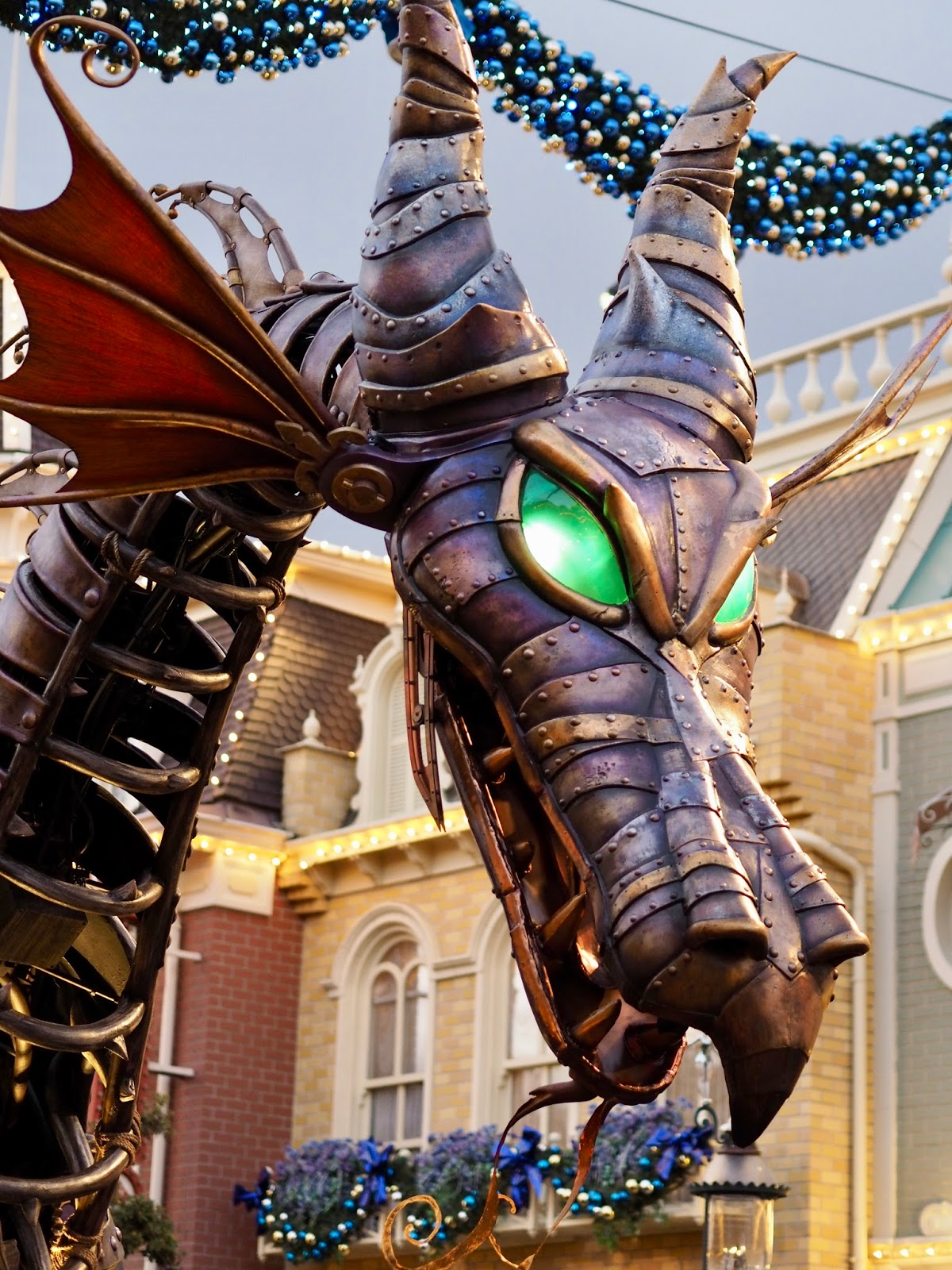 Disneyland Paris dragon
