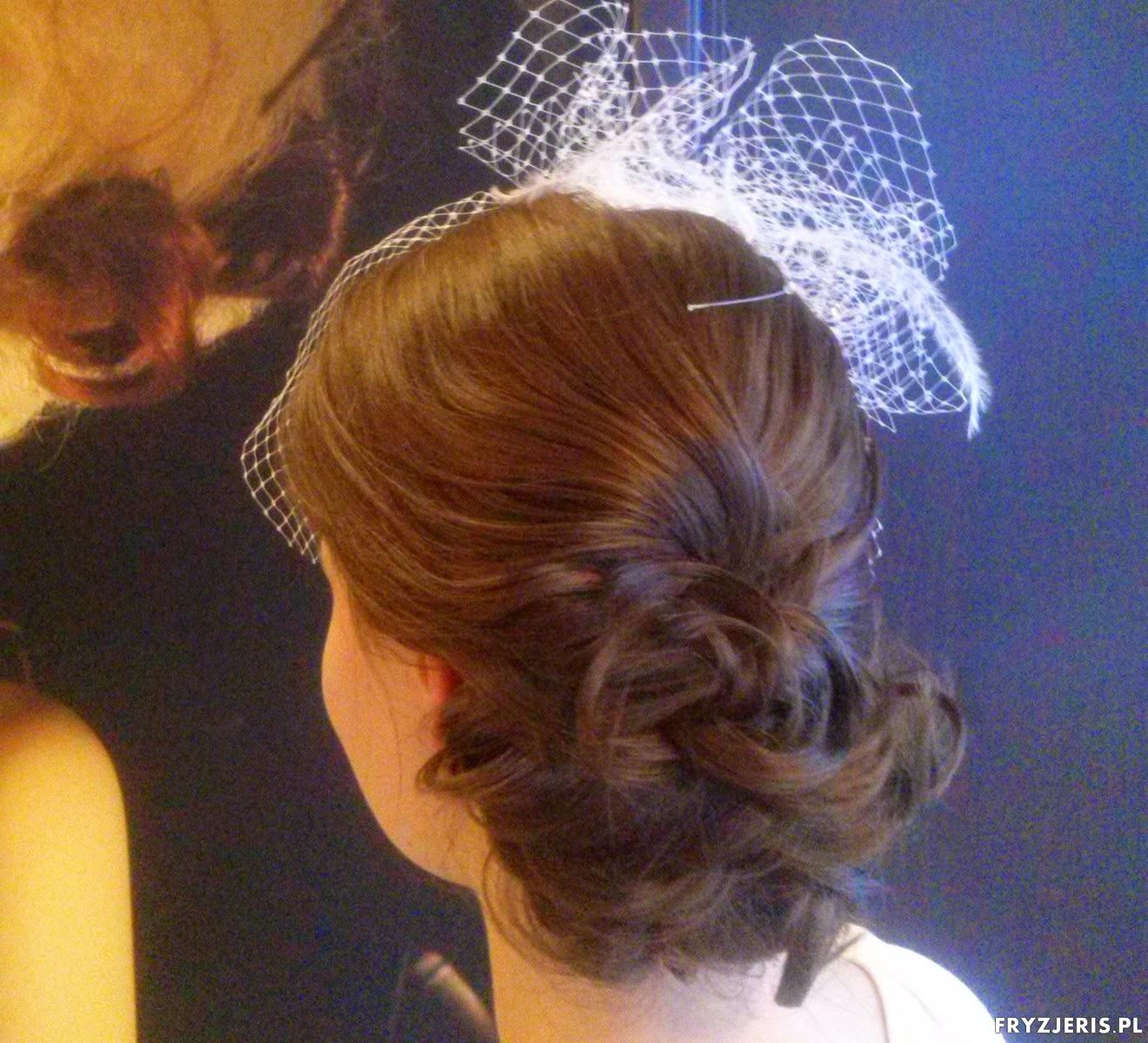 Fryzury Upięcie ślubne Z Toczkiem Blog O Włosach Fryzjeris