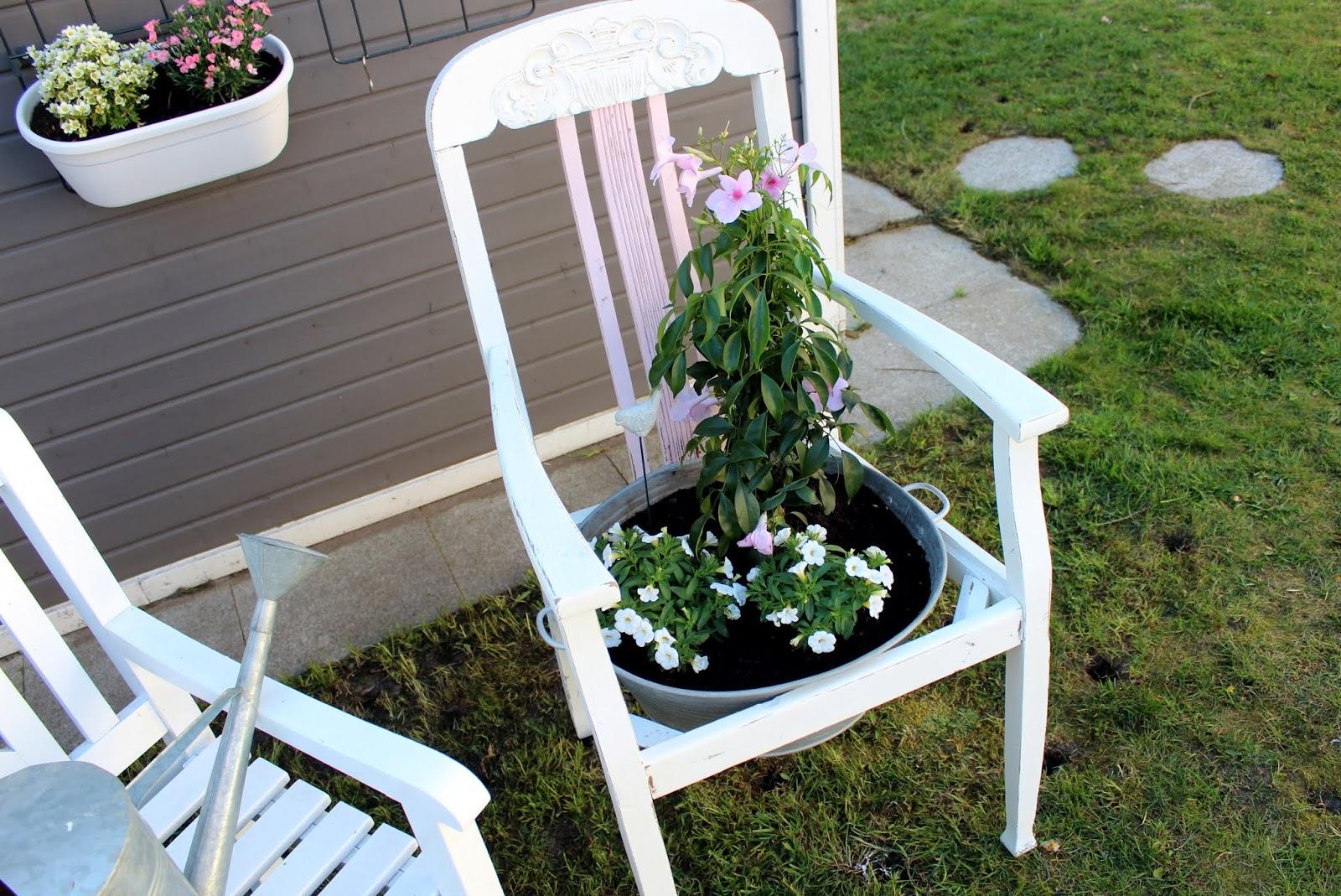 Diy Blumenstuhl In Shabby Chic Ganz Einfach Selber Machen Und