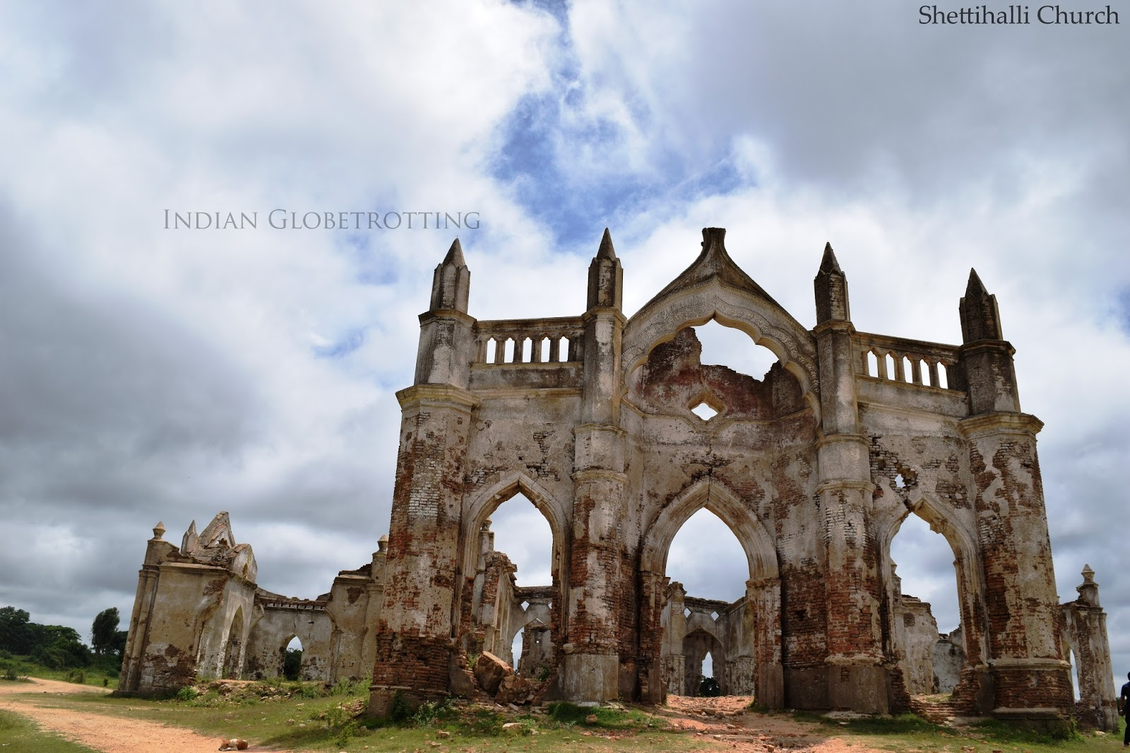 Shettihalli church near Hassan was constructed by French Missionaries