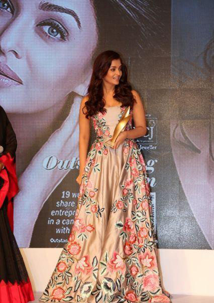 Aishwarya Rai in Floral Embroidered Gown at Outlook Business Women Awards 2016