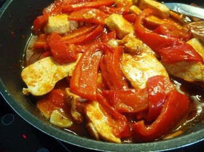 pechuga de pollo con pimientos