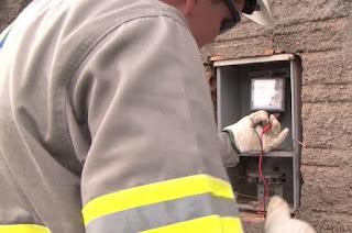 http://vnoticia.com.br/noticia/3692-tres-pessoas-presas-por-furto-de-energia-em-sao-francisco-de-itabapoana
