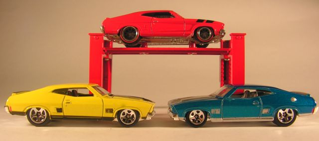 Capital diecast garage hot wheels ford falcon xb coupe for Garage seguin 87