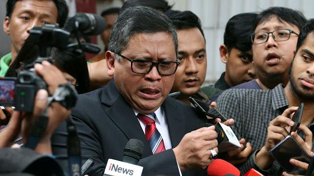 VIDEO: Hasto Menangis, Yakin Azwar Anas Jadi Korban Politik