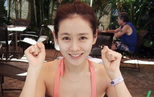 Chỉ là ảnh đời thường thôi, 'chị đẹp' Son Ye Jin cũng làm say lòng người như thế này
