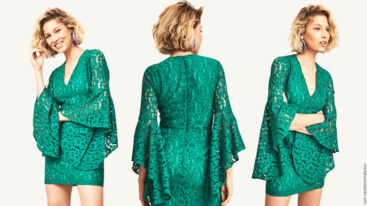 Moda 2019 ropa de mujer 2019. Vestidos de moda 2019 cortos de encaje.