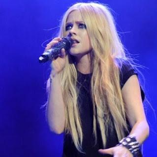 Wajib Mengetahui Lyme Disease Penyakit yang Diderita Avril Lavigne
