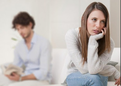 3 Tanda Istri Anda Tidak Bahagia Dengan Pernikahannya