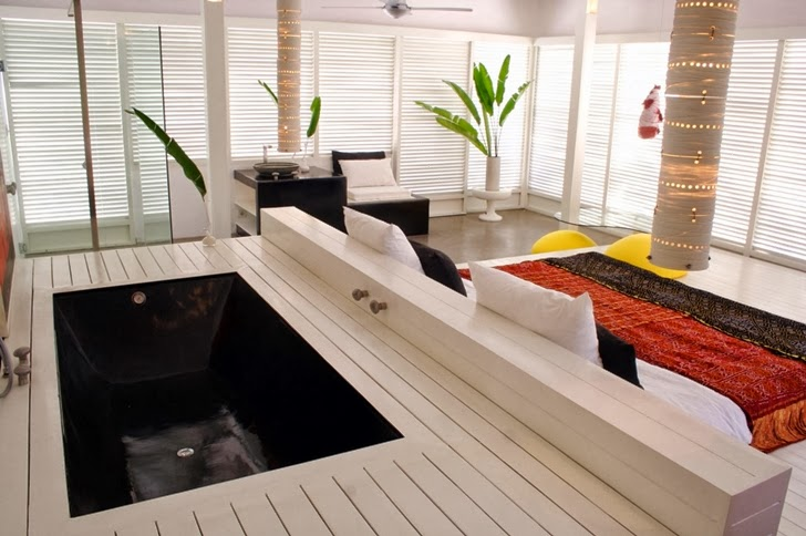 Bath tub in the bedroom of Exotic contemporary style house in Bali