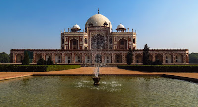 Humayuns Tomb Building & Water