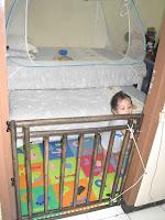 http://2.bp.blogspot.com/-9YvPY1vRQIc/TZSjN1Zrg6I/AAAAAAAAAS8/juxt-UfSQVU/s200/Room7.jpg