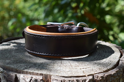 Padded collar for size M dogs handmade in luxurious bridle leather, made on measure, many colors available