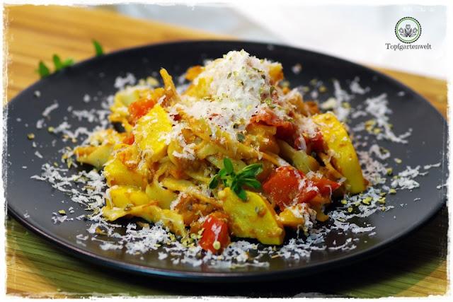 Tagliatelle Gemüsepfanne mit Zucchini, Tomaten, Paprika - Foodblog Topfgartenwelt