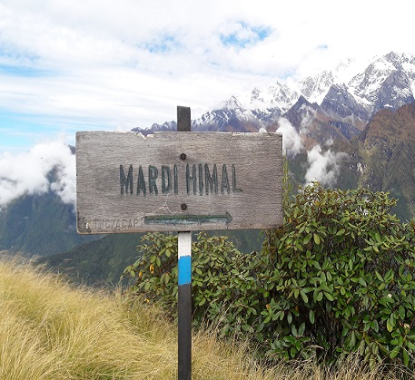 Route to Mardi Himal -- Directing board