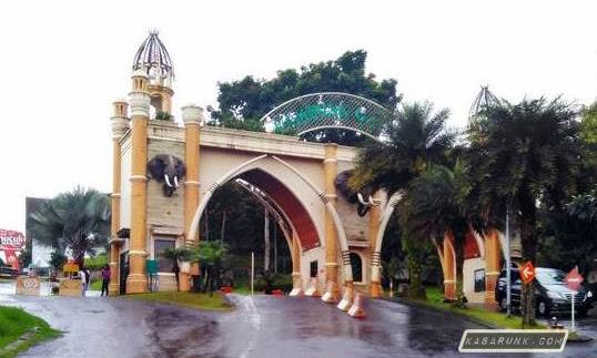 Seru main Gokart di Kampung Gajah Lembang