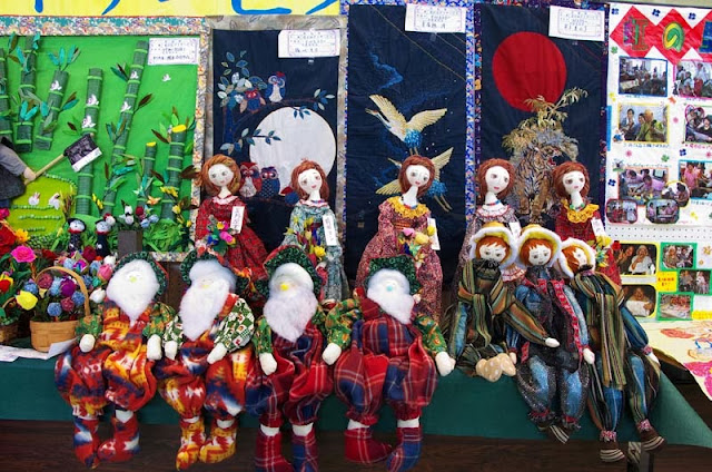 arts and crafts, dolls on display
