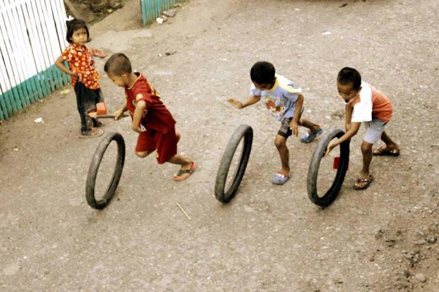Mainan Roda Bekas