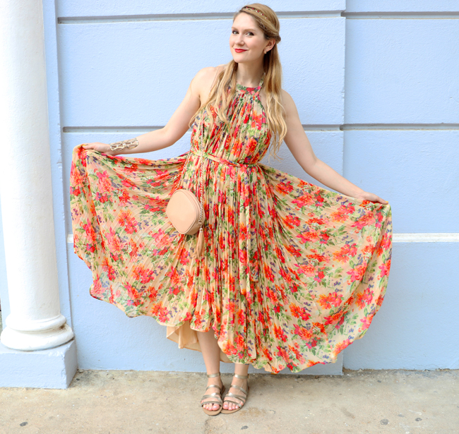 Love this beautiful floral dress for Spring and Summer