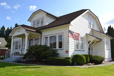 Desain Rumah Kayu Bergaya Amerika