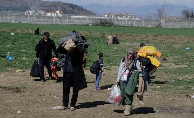 Επιμένει στον διαχωρισμό προσφυγικής και οικονομικής κρίσης το Βερολίνο