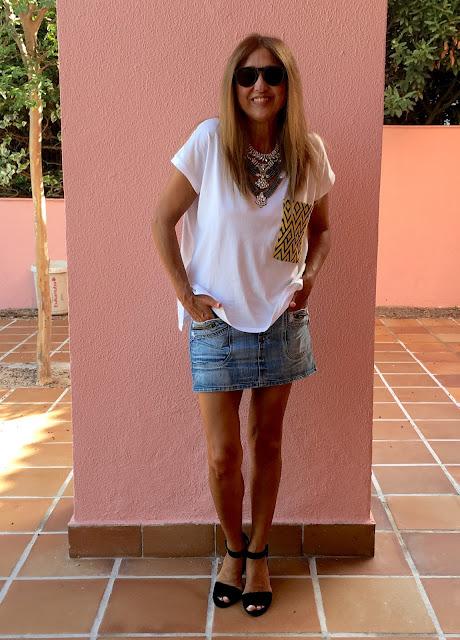 Justfab, Street Style, Fashion Blogger, Look, Denim, Necklace, Sandals, Tshirt,