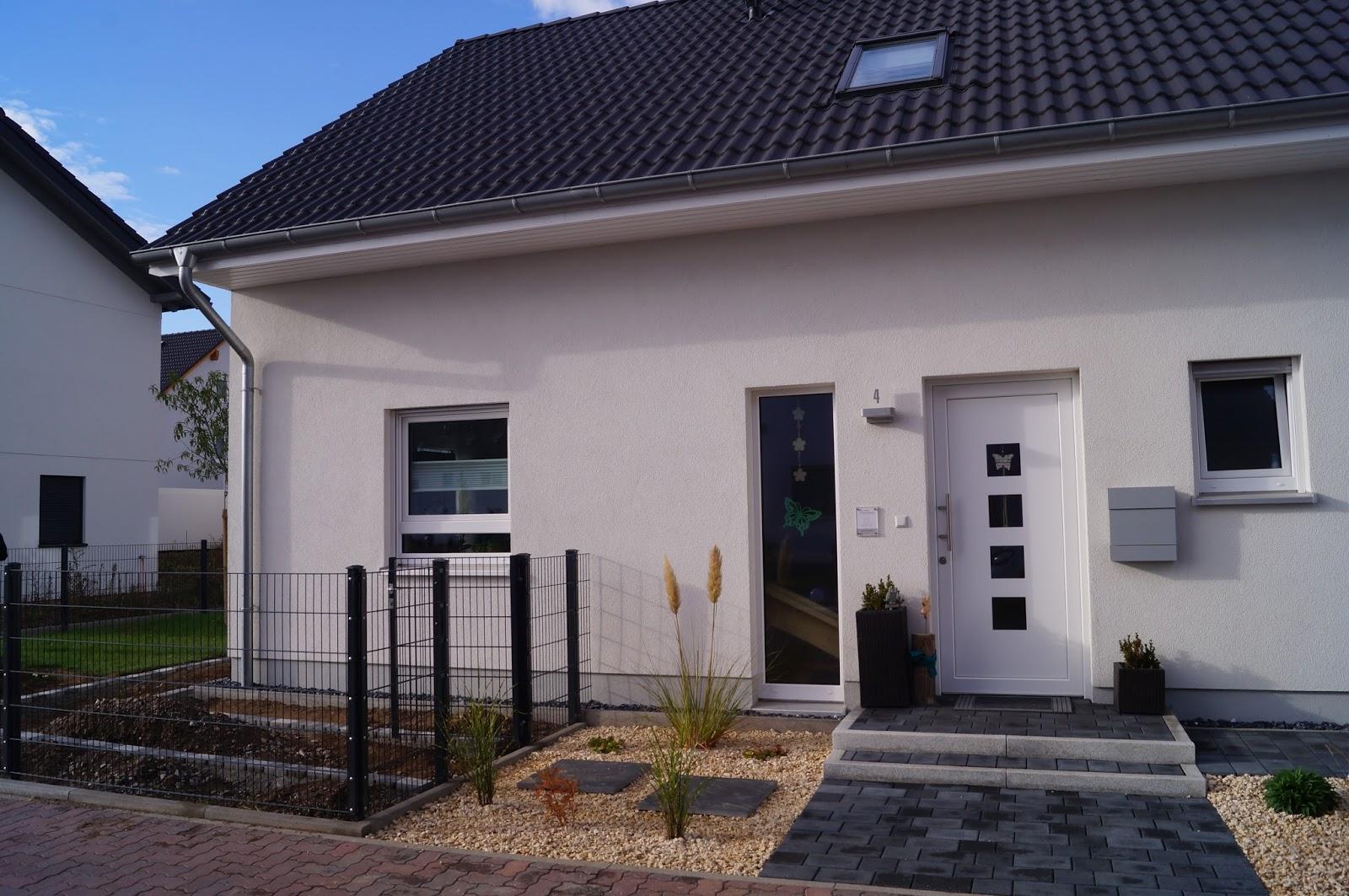 abenteuer hausbau steingarten und rasenkante. Black Bedroom Furniture Sets. Home Design Ideas