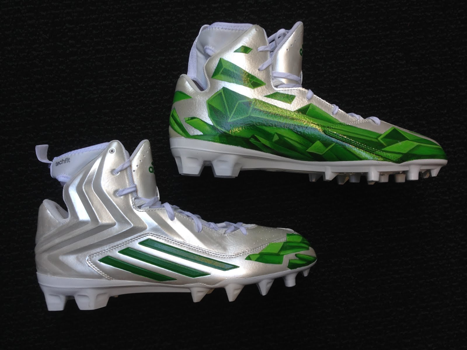 fa1492cfa6e8 Here are some process shots of me working on the Von Miller Kryptonite  cleats. These were fun to do. CBS covers the cleats